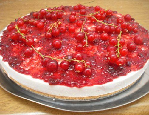 Cheesecake allo yogurt ai frutti di bosco
