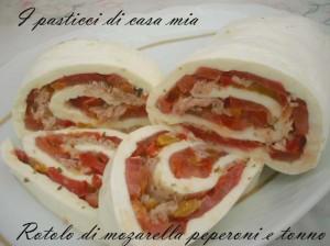 Rotolo-di-mozzarella-peperoni-e-tonno