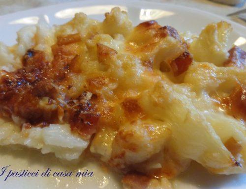 Cavolfiore gratinato con pancetta e formaggio