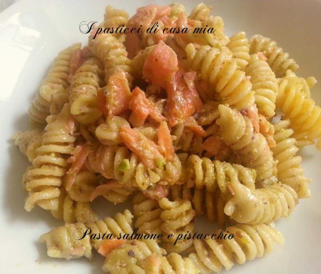 Pasta salmone e pistacchio