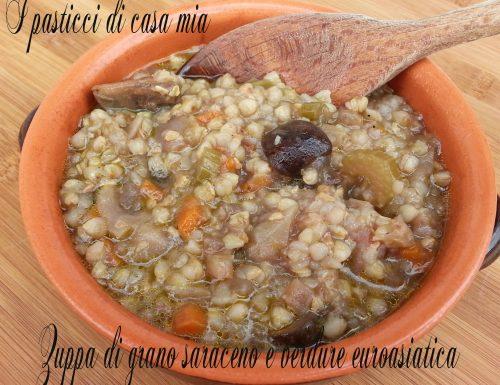 Zuppa di grano saraceno e verdure euroasiatica