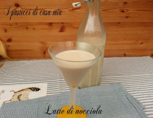 Latte di nocciola