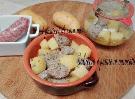 Salsiccia e patate in vasocottura