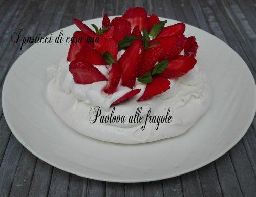 Pavlova alle fragole