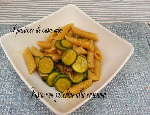 Pasta con le zucchine alla curcuma