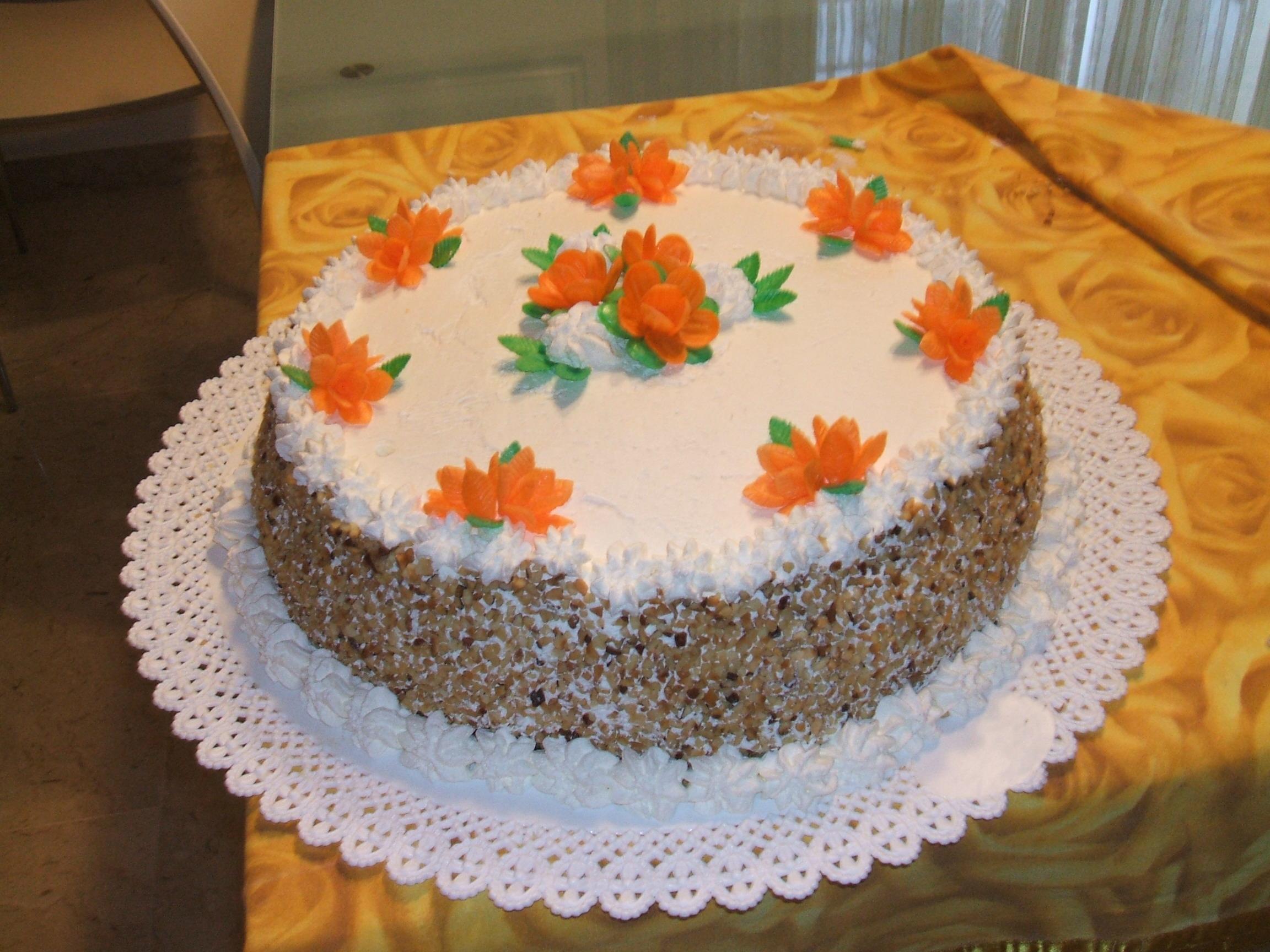 Torta decorata con fiori d 39 ostia - Decorazioni natalizie per torte ...