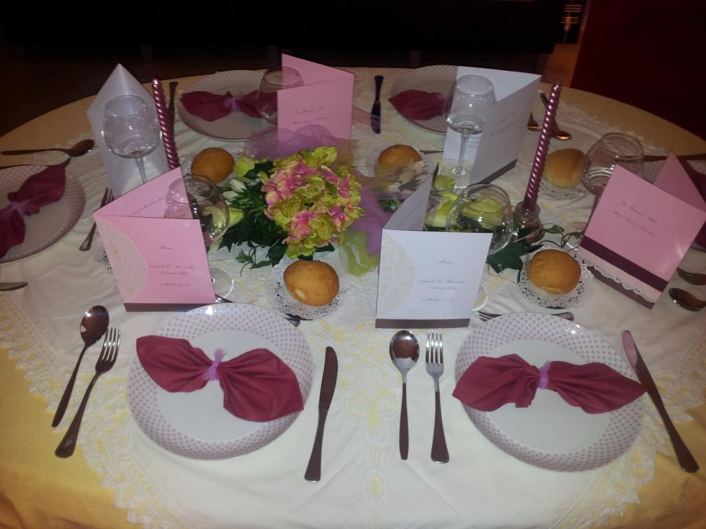 Idee per apparecchiare la tavola e men - Decorazioni per la tavola ...