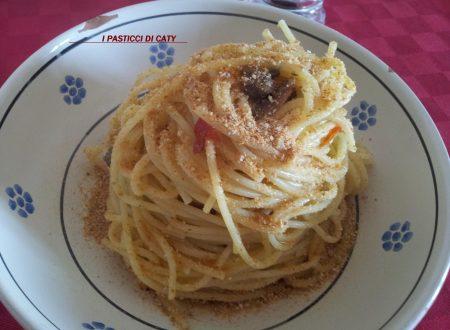 Spaghettata veloce con capperi acciughe e seratizza