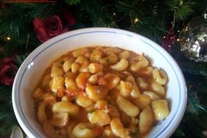 Gnocchetti ai ceci in salsa di gamberi
