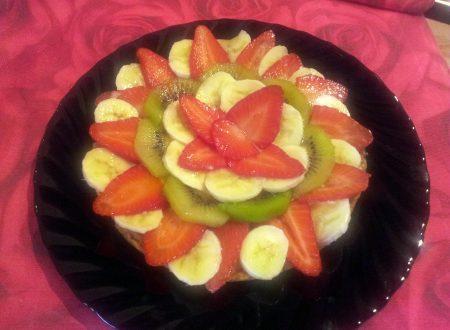 Torta morbida con frutta fresca e zenzero