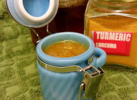 Miele e curcuma: potente antibiotico naturale