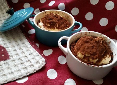 Cocotte al cioccolato con mousse al mascarpone