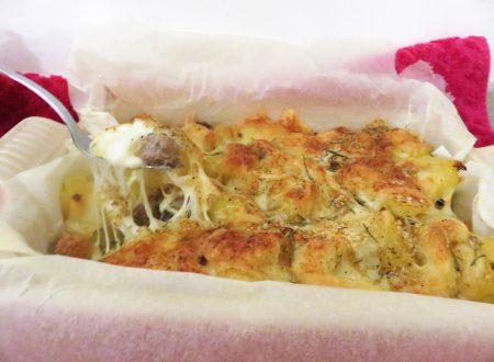 Sformato di patate e salsiccia filante