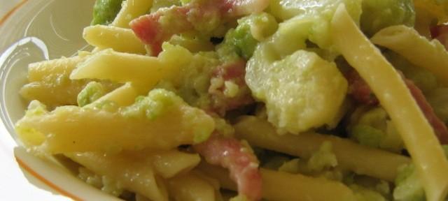 Pasta e cavolo verde alla barese