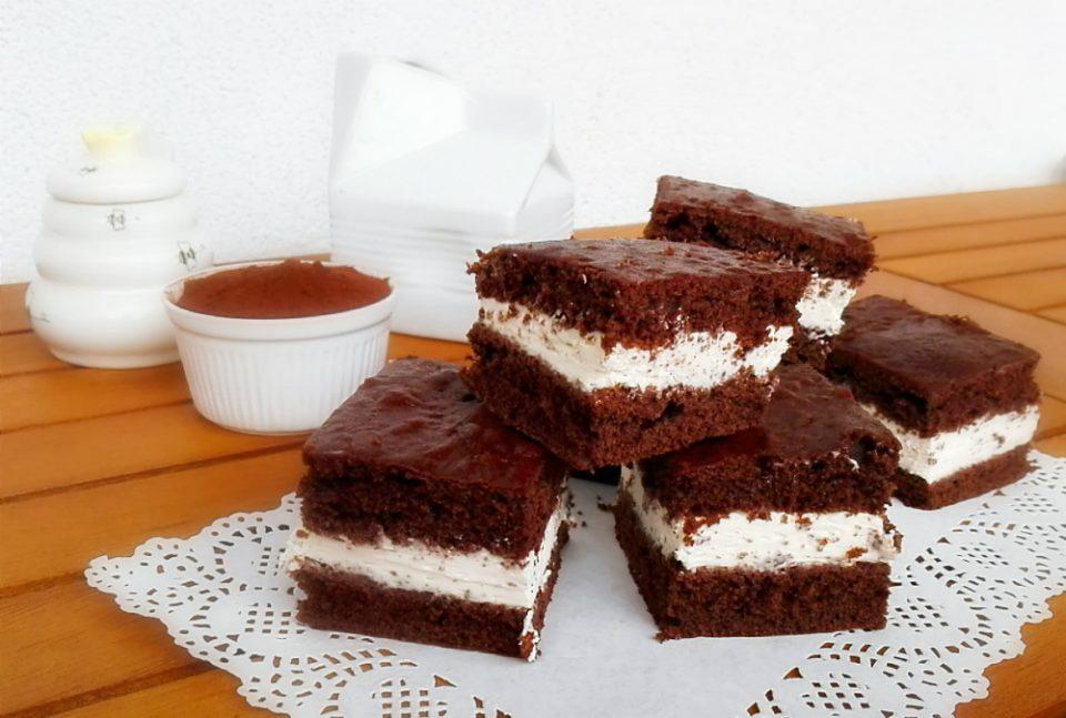 Quadrotti Di Torta Al Latte I Pasticci Di Ile