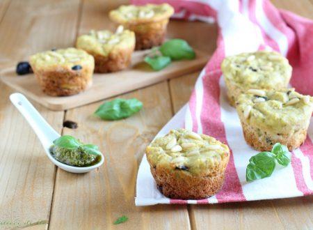 Muffin salati al pesto e olive nere