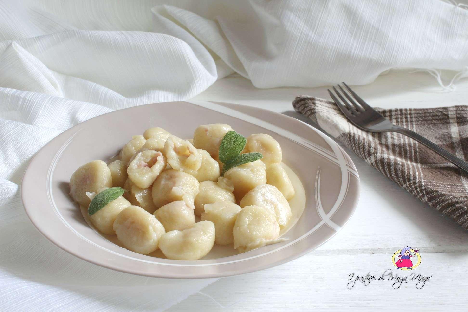 Ricette Gnocchi Di Patate Ripieni.Gnocchi Di Patate Ripieni Di Prosciutto E Mozzarella I Pasticci Di Maga Mago
