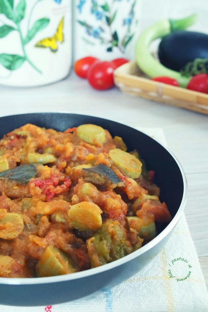 Verdure stufate al curry i pasticci di mamma alex for Cucinare zucchine trombetta