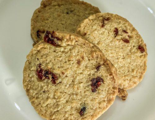 Biscotti di cocco e farro ai frutti rossi