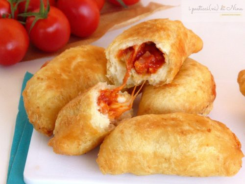 PANZEROTTI VELOCI ALL'AMATRICIANA
