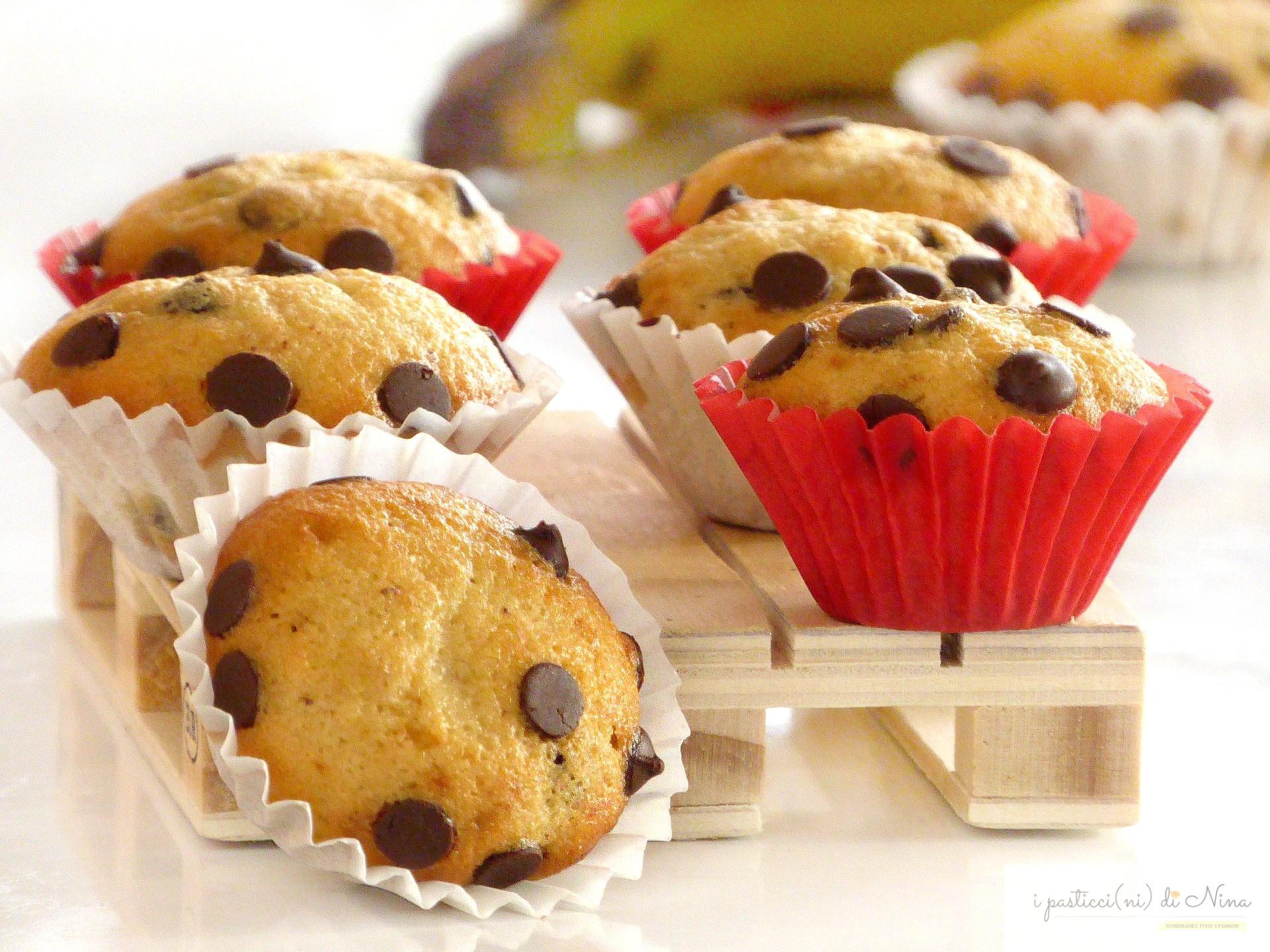 mini muffin alla banana con gocce di cioccolato