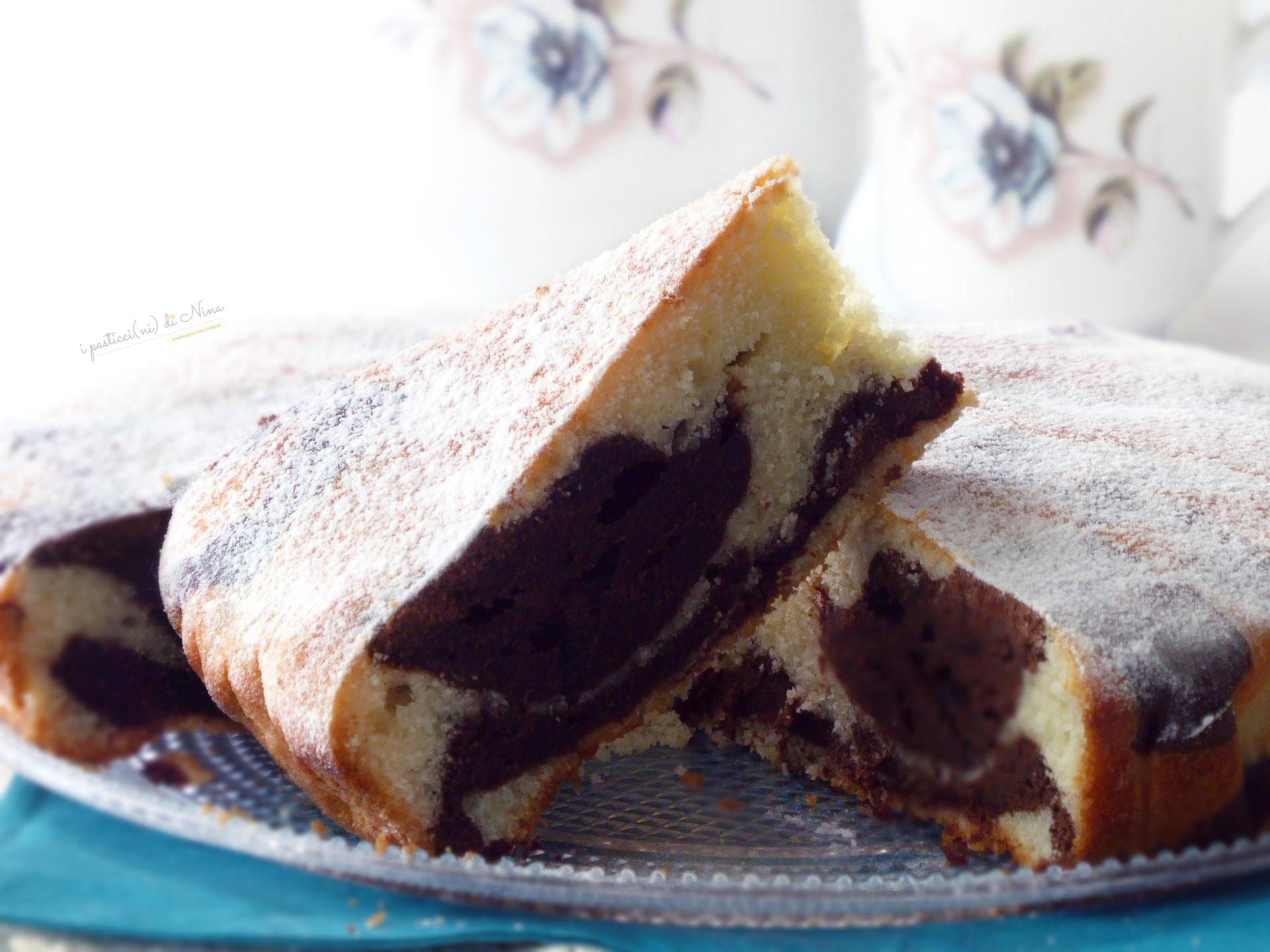 torta marmorizzata yogurt e cacao