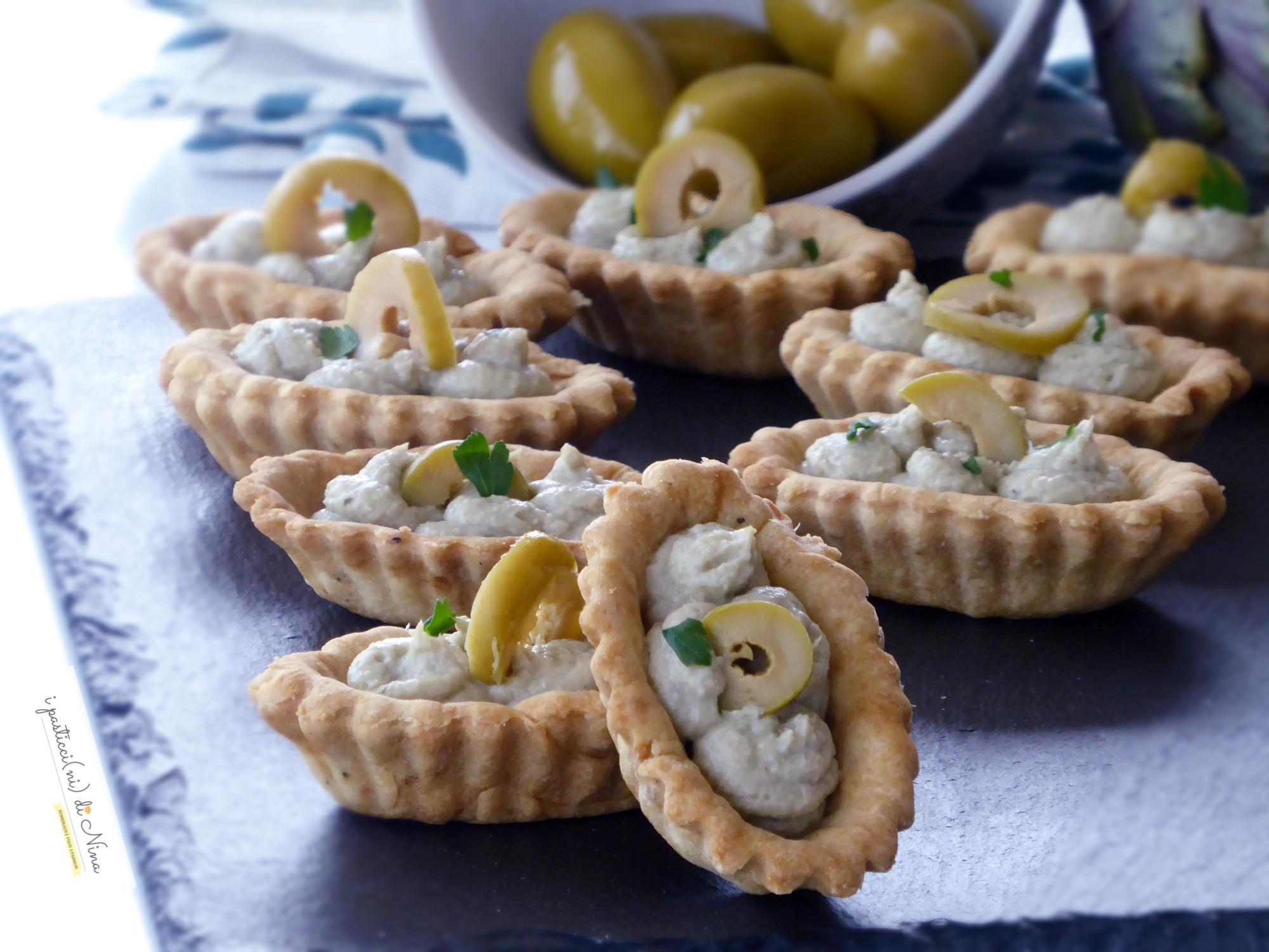 barchette con mousse di carciofi e olive verdi Ficacci