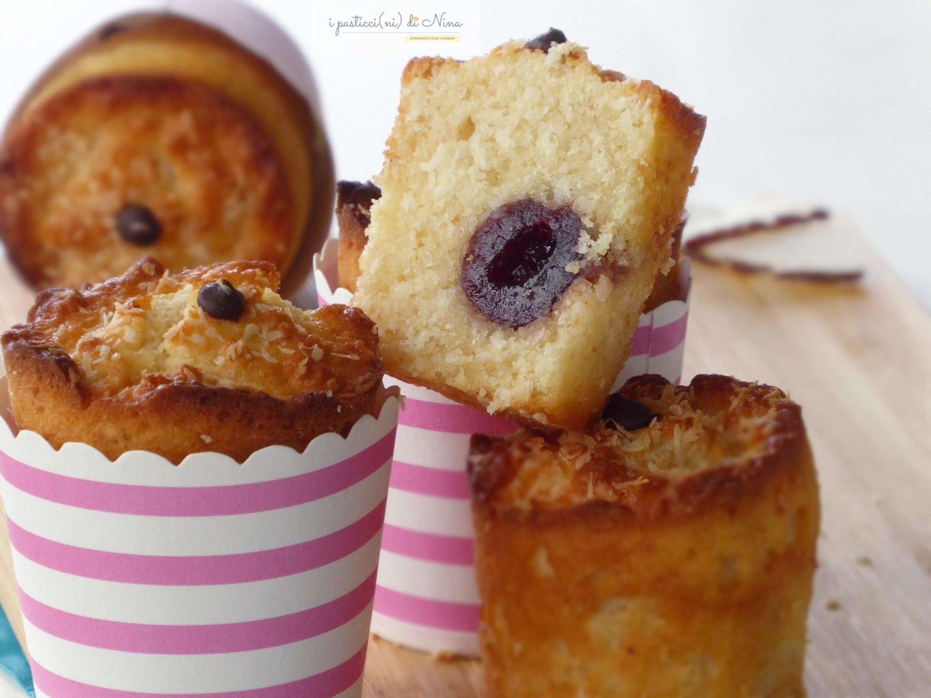 muffin senza burro e senza latte con cocco e ricotta e amarene