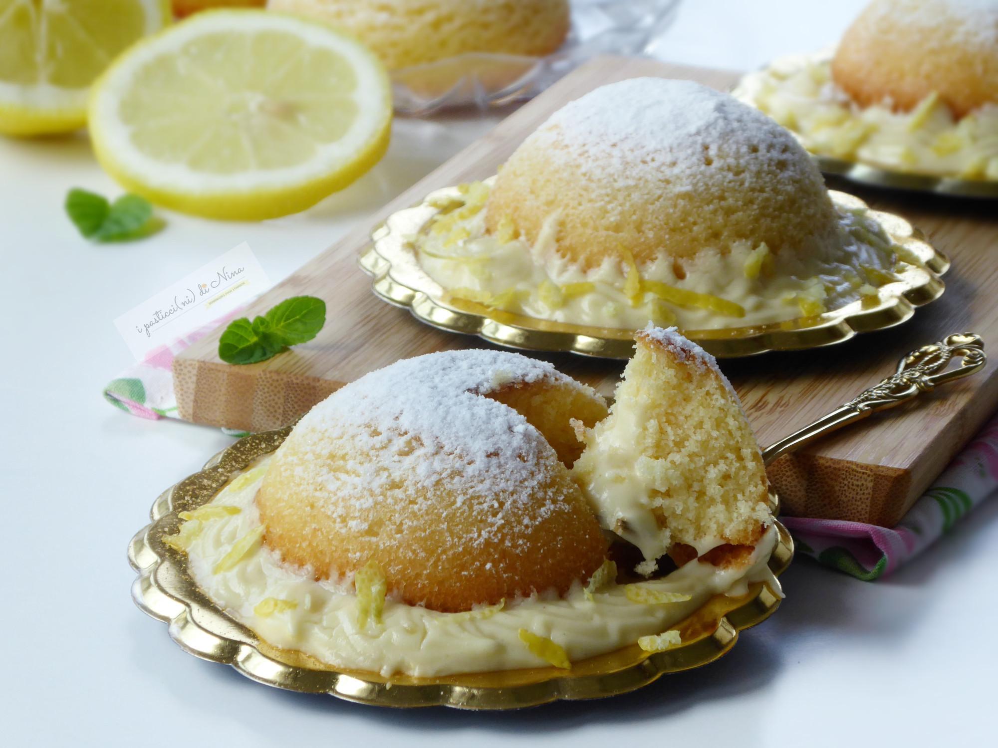dolce fresco al limone Semisfere soffici con crema al limone