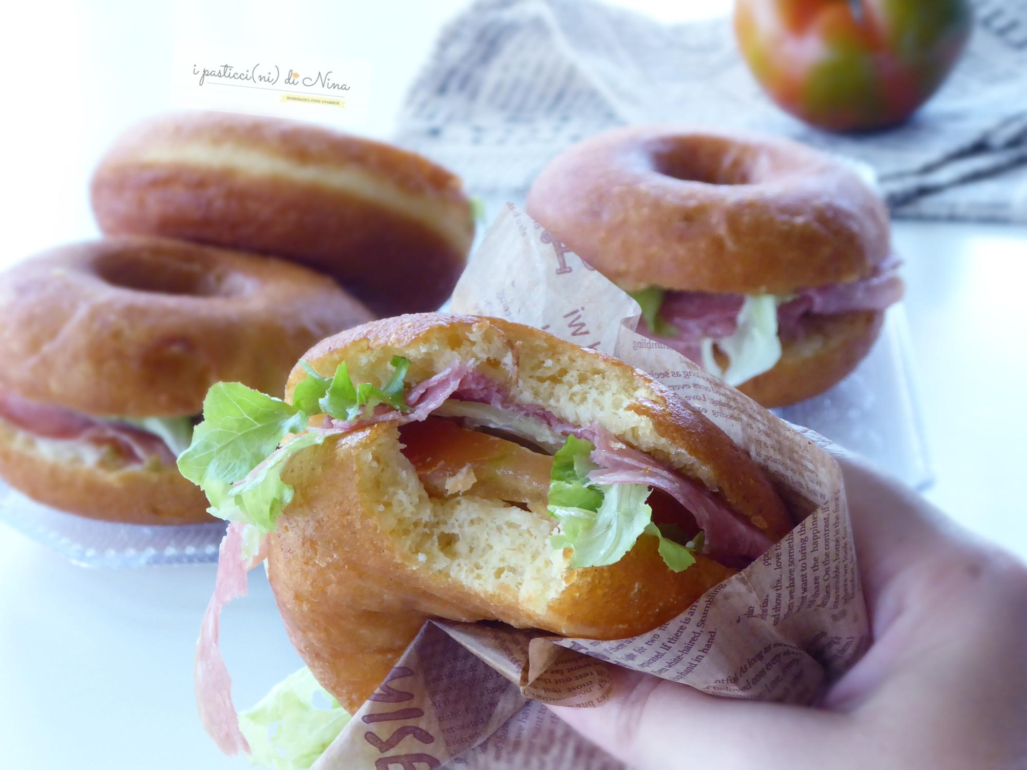 graffe salate farcite ricetta con fiocchi di patate nell'impasto