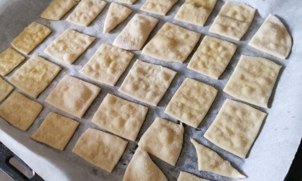 Crackers con esubero lievito madre