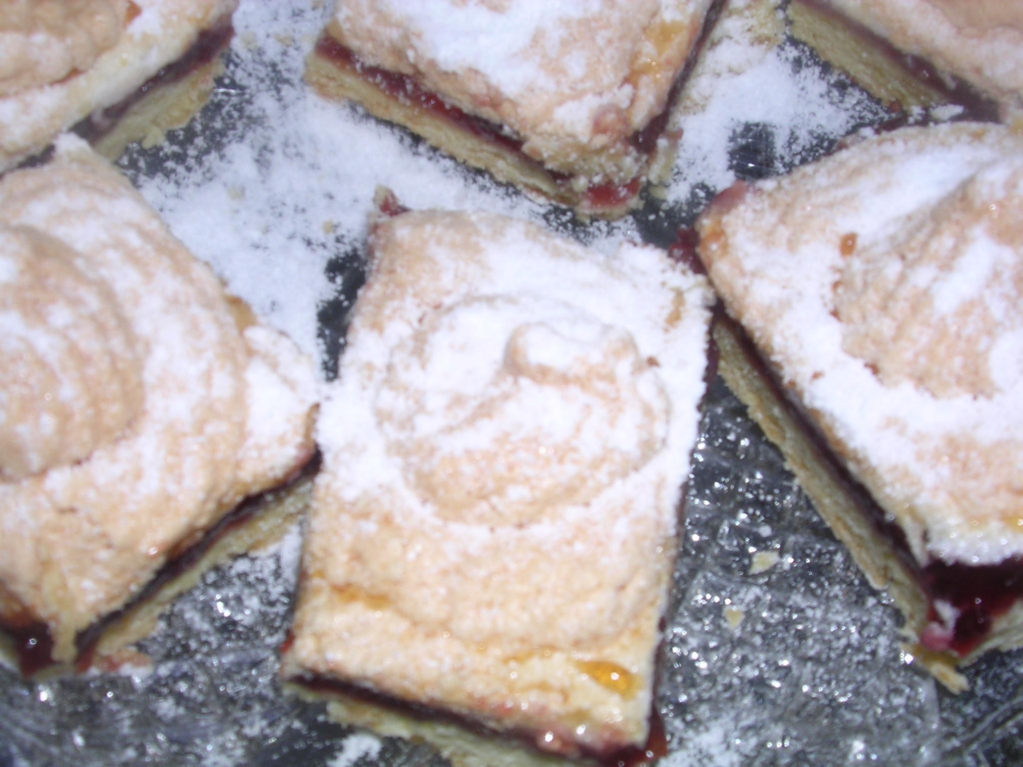 Torta Slava-prugne e meringa