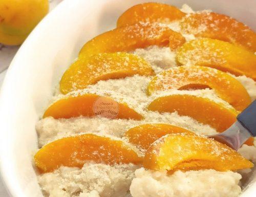 Torta di riso al limone con albicocche