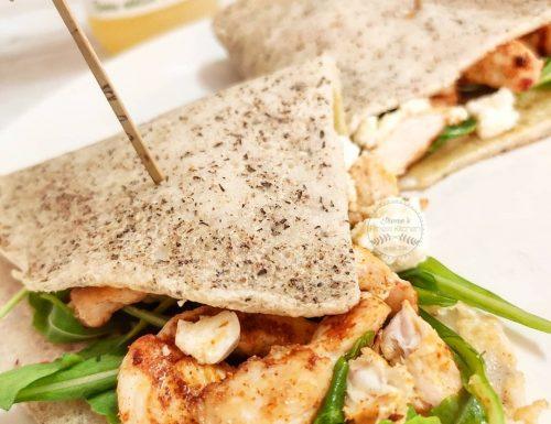Wrap proteica di grano saraceno con straccetti di pollo alla paprika e feta