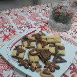 """""""Biscotti Natalizi Variegati Al Cacao Di Pasta Frolla Senza Burro""""…!!!"""