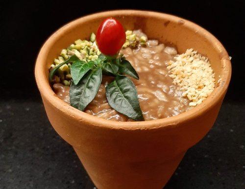 Risotto in vaso al cacao amaro e peperoncino