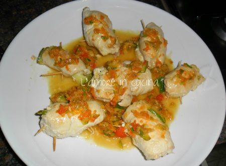 Involtini di petto di pollo con zucchine e galbanino