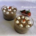 Bicchierini di mousse alla nutella con fragole