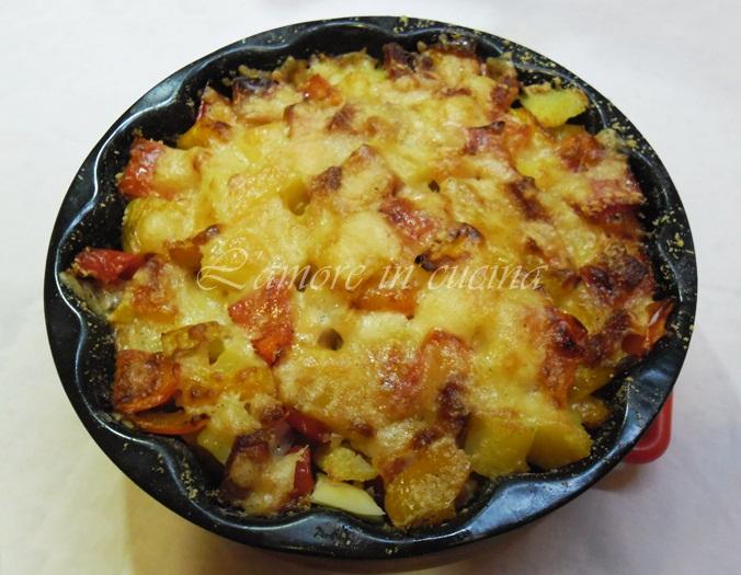 teglia patate, peperoni e pancetta