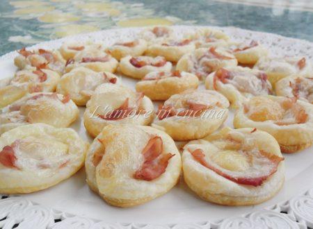 Pizzette di sfoglia al prosciutto