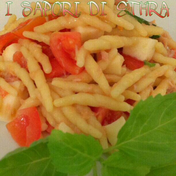 Trofie mediterranee pomodoro e mozzarella