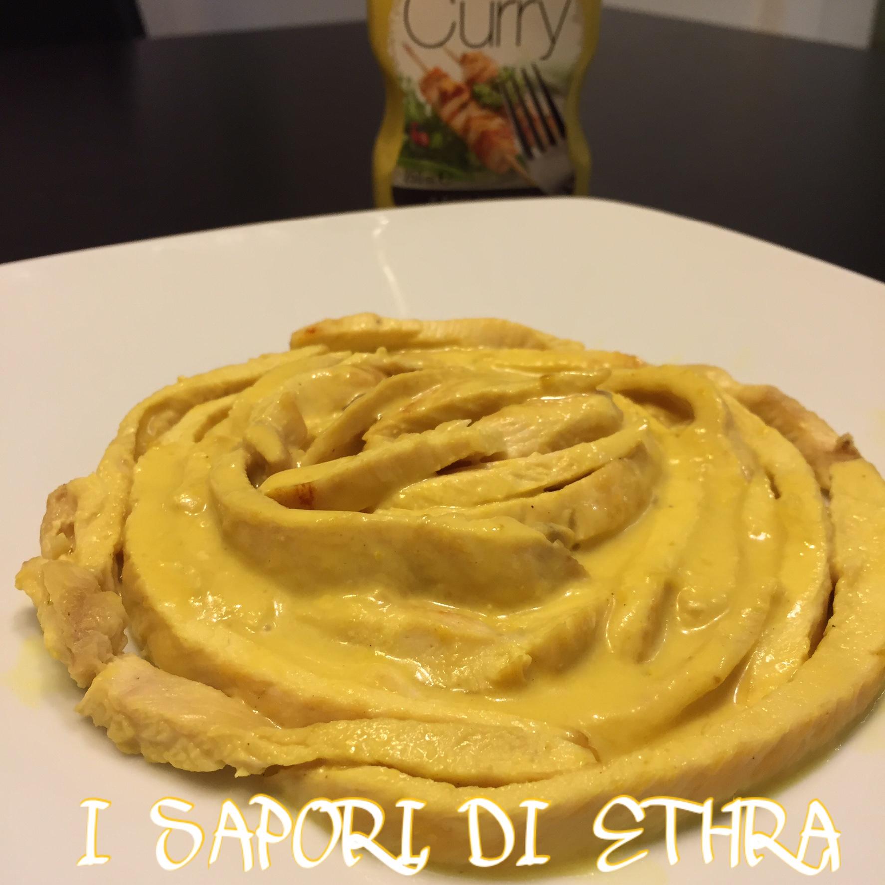 Petto di pollo arrotolato in salsa al curry