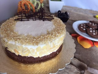 Cheesecake alle amarene e mandorle