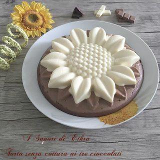 Torta senza cottura ai tre cioccolati