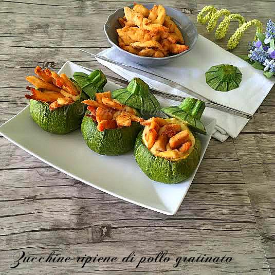 Zucchine ripiene di pollo gratinato - I Sapori di Ethra