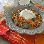 Pasta funghi e stracciatella gusto arancia vicina