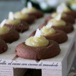 Pasta frolla al cacao con crema di mandorle