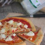 Pizza con ricotta mozzarella e farina di kamut