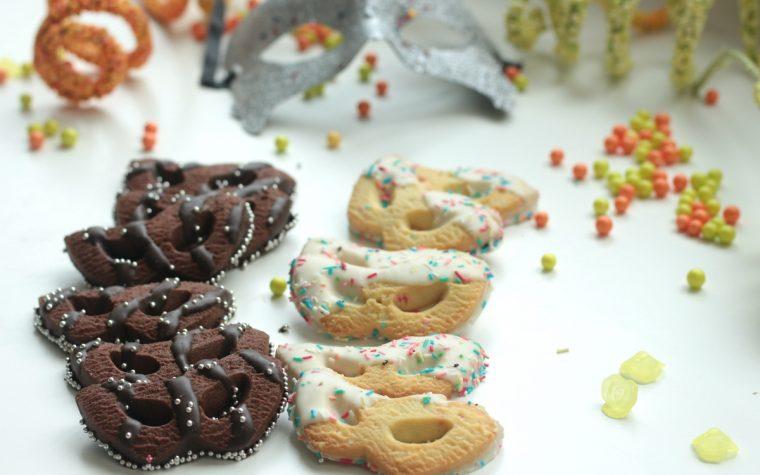 Biscotti di carnevale a forma di maschera