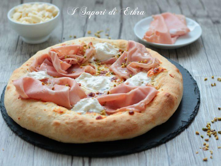 Pizza stracciatella e mortadella impasto infallibile